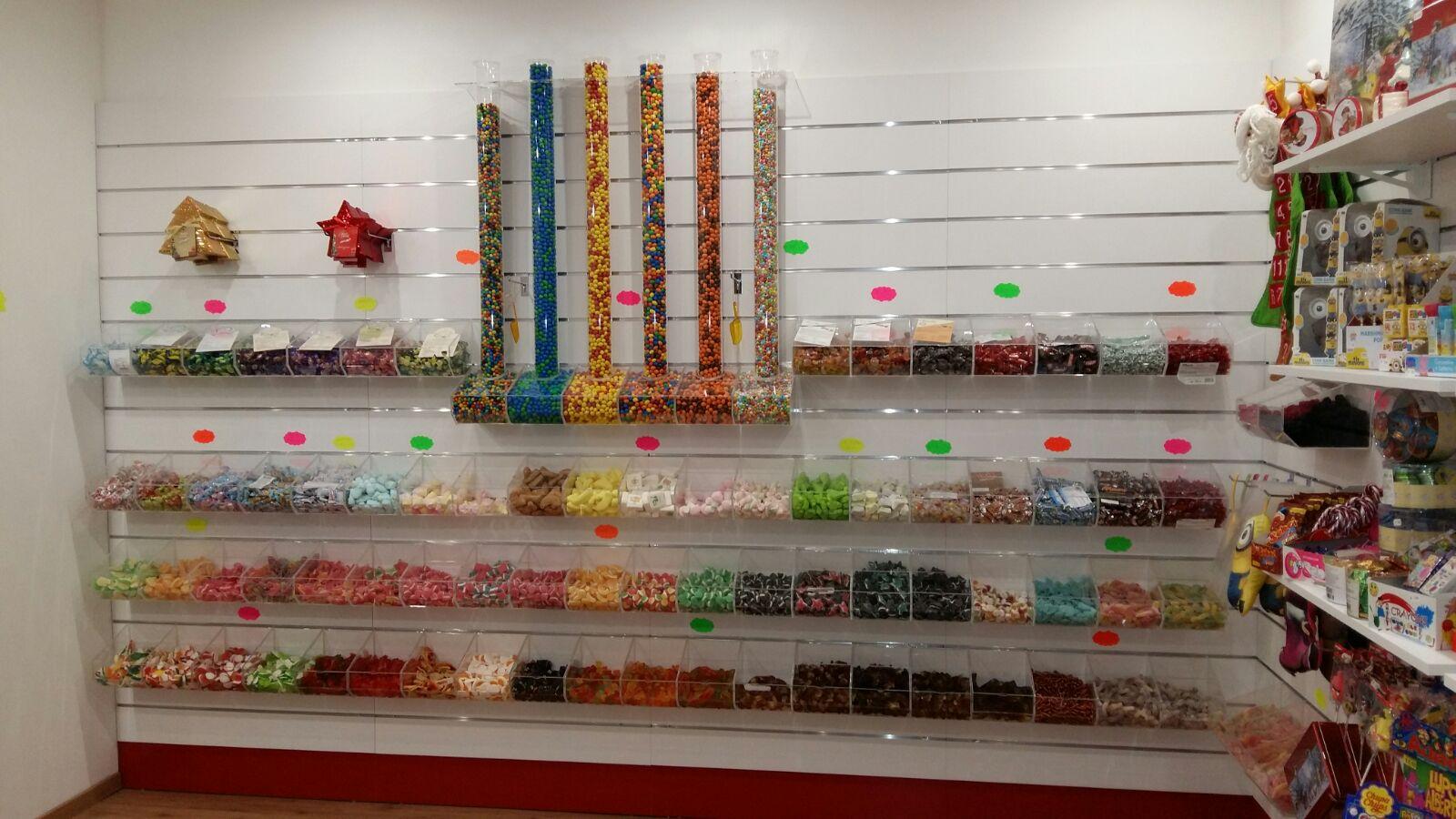 Arredamento negozio caramelle mobili per negozi modul - Banconi per negozi ikea ...