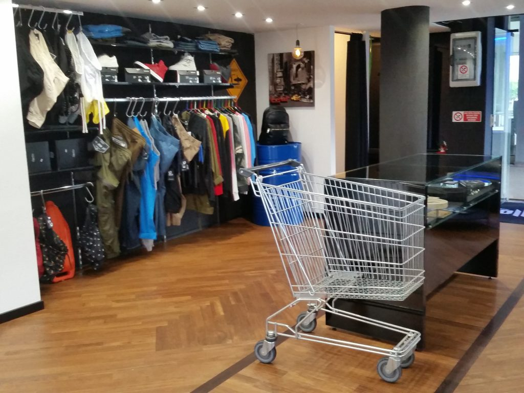 Mobili per negozi di abbigliamento Archivi - Mobili per negozi ...